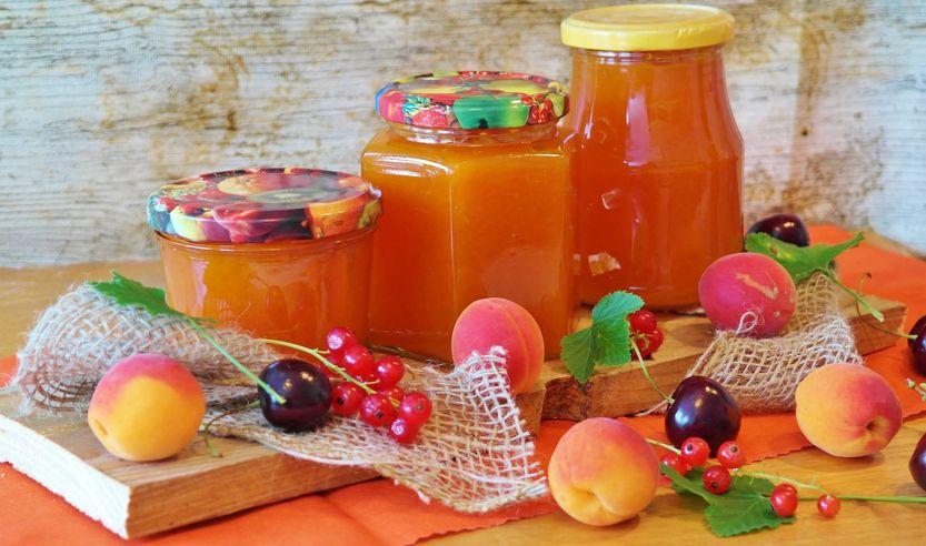 selbstgemachte Konfitüre, Marmelade und Gelee