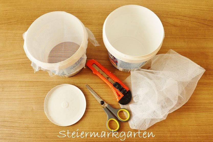 Upcycling: Schneckenringe als Schutz vor Schnecken aus Joghurtbechern selber machen